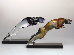 Panther made in chalcedony glass
